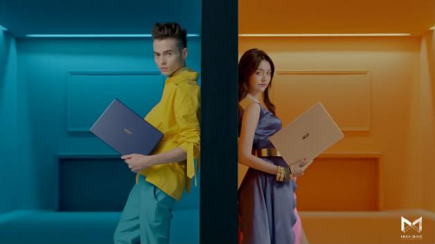 明基笔记本金色缤纷色彩模特广告