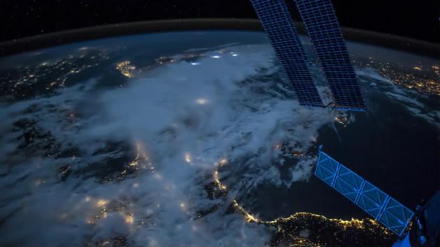 宇宙星空上帝之眼太空浩瀚宇宙卫星地图地球宇航局